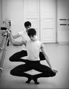 http://aurelie-dupont.tumblr.com/post/25911487385/britlshguy-dancers
