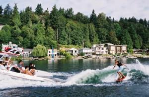 female wake surfing